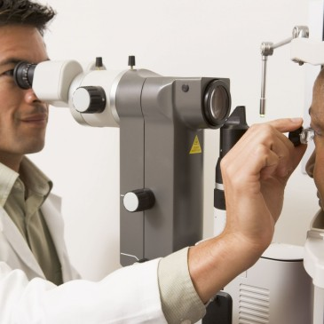 New eye test to diagnose Alzheimer's Disease?!